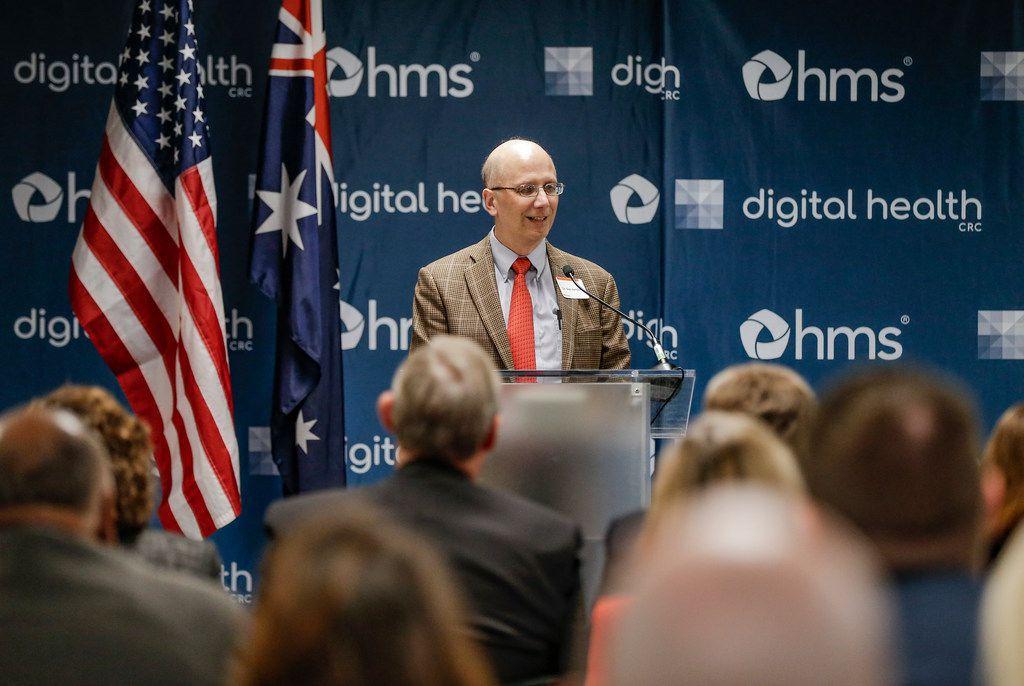 Daniel Heitjan, director of SMU/UTSW Ph.D. Program in Biostatistics, speaks during the press conference.