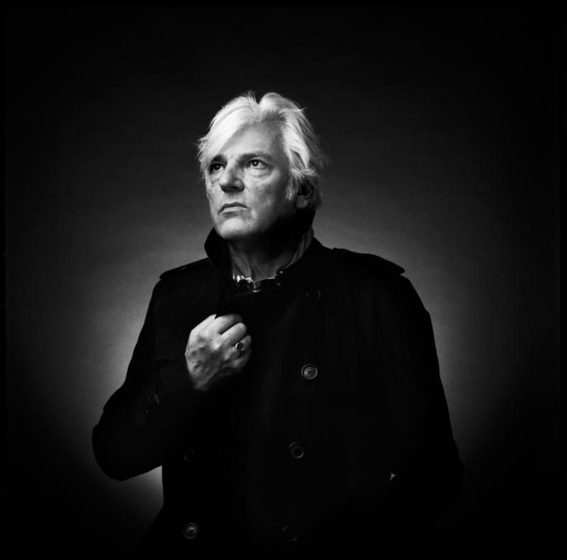 Singer and guitarist Robyn Hitchcock poses for a publicity photo.
