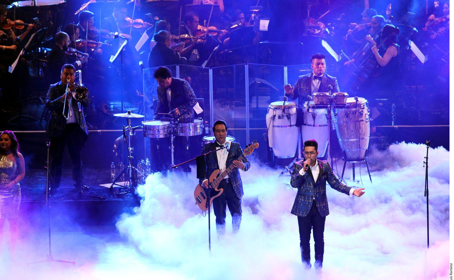 En esta fotografía de archivo sin fecha, se ve a Los Ángeles Azules en concierto. Podrá escuchar a la banda mexicana de cumbia en concierto a través de Amazon Music este septiembre.