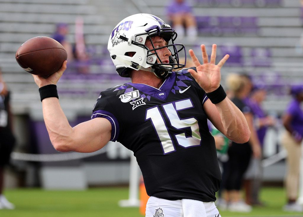 FORT WORTH, TEXAS - SEPTEMBER 28: Quarterback Max Duggan #15 of the TCU Horned Frogs warms up before the game against the Kansas Jayhawks at Amon G. Carter Stadium on September 28, 2019 in Fort Worth, Texas.