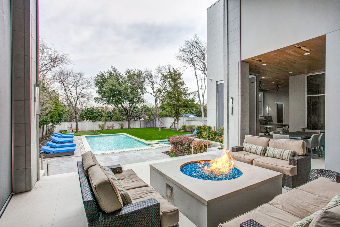 A look at the property at 6517 Dykes Way in Dallas.