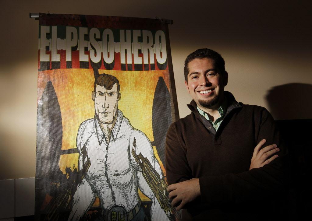 """Héctor Rodríguez posa junto a su creación """"El Peso Hero"""", un superhéroe que presentará en el Texas Latino Comic Con en Dallas. (DMN/Kye R. Lee)"""