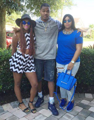 Dallas Cowboys receiver Amari Cooper with his sisters, Ashley Williams, left, and Aspen Cooper, right.