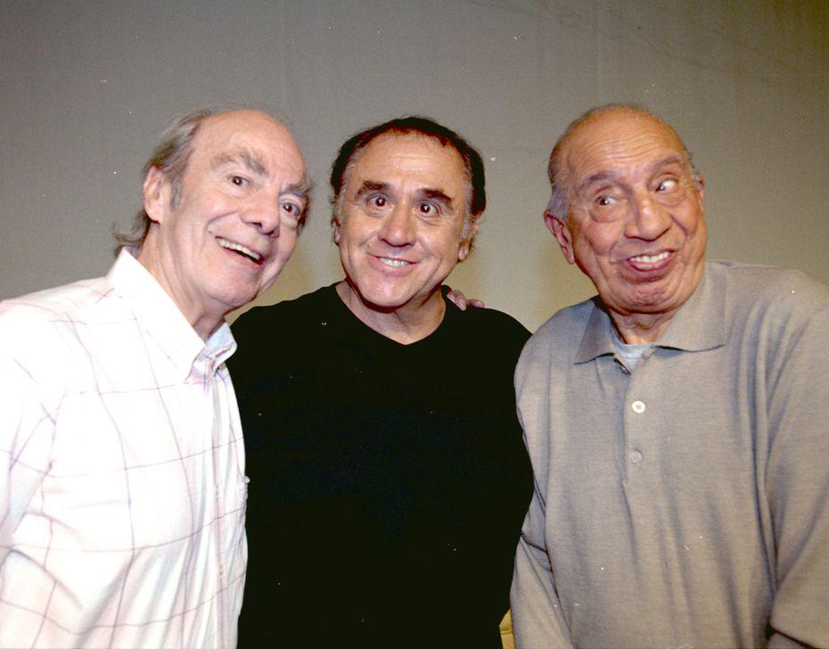 """Manuel """"El Loco"""" Valdés (izq.) junto a Alejandro Suárez y Héctor Lechuga."""