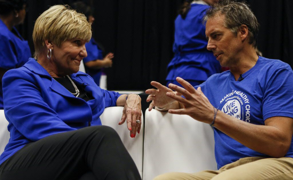 "Fort Worth Mayor Betsy Price talks with Blue Zones Project founder Dan Buettner during a kickoff event for Fort Worth's ""Blue Zones"" project, a community effort to get residents to eat less, exercise more and basically get healthy, at the Will Rogers Memorial Center in Fort Worth on Feb. 21, 2015. (File Photo/The Dallas Morning News)"