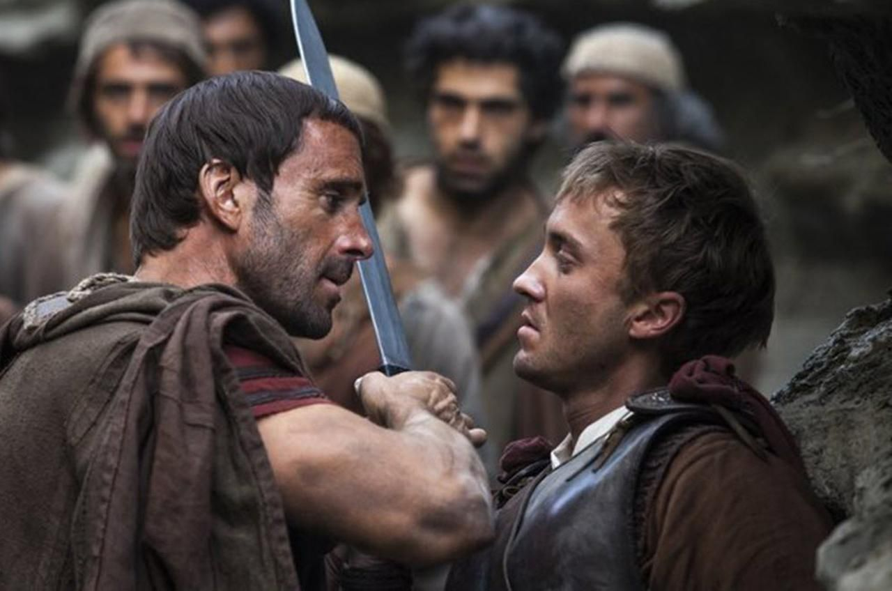 """Joseph Fiennes y Tom Felton en """"Risen"""", filme que aborda la muerte y resurrección de jesucristo desde la perspectiva de los romanos. (TNS/CORTESÍA)"""
