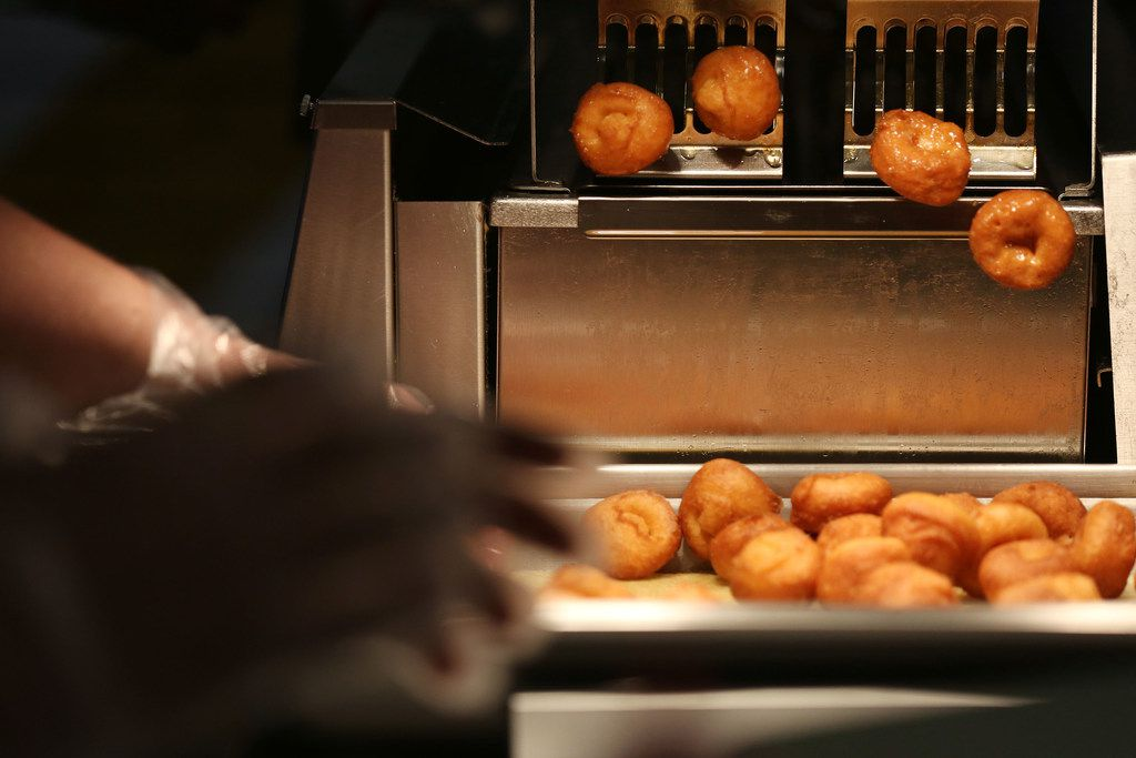 The doughnuts are made-to-order and guaranteed hot for each customer.