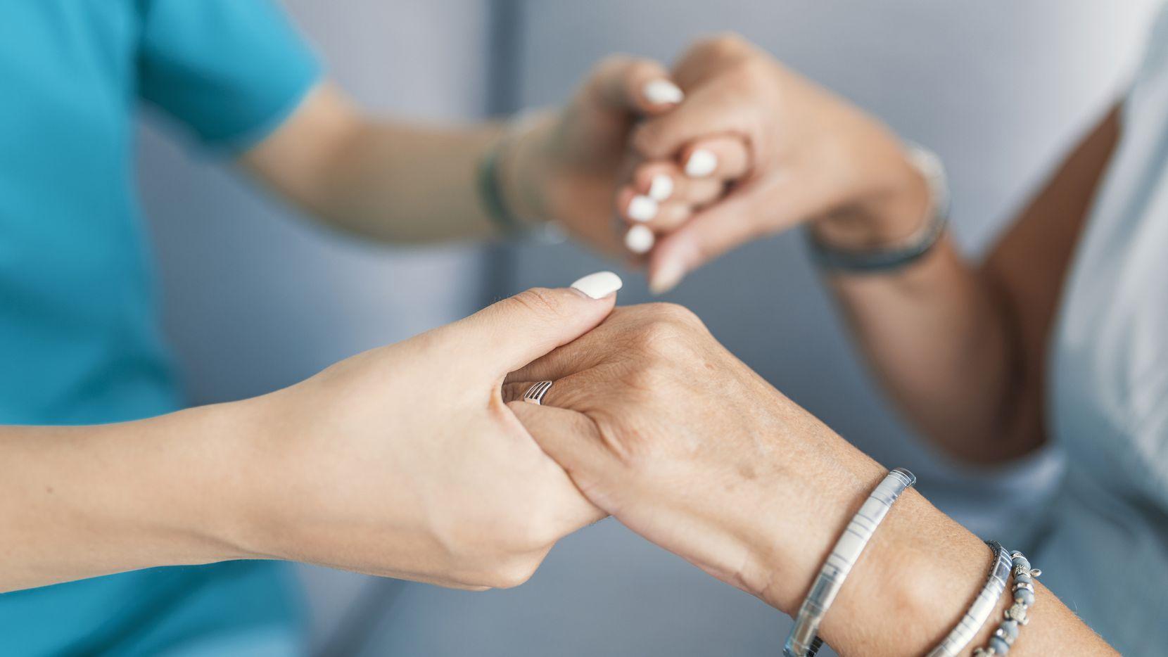 Más de cinco millones de personas en Estados Unidos y millones más en todo el mundo padecen Alzheimer.