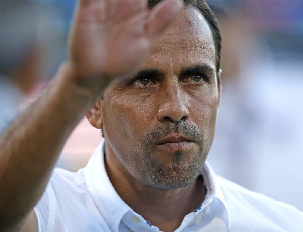 FC Dallas Head Coach Oscar Pareja acknowledges the crowd before the start of the match as FC Dallas hosted the Portland Timbers at Toyota Stadium in Frisco on Saturday night, July 25, 2015. (Stewart F. House/Special Contributor) ORG XMIT: 20025833A