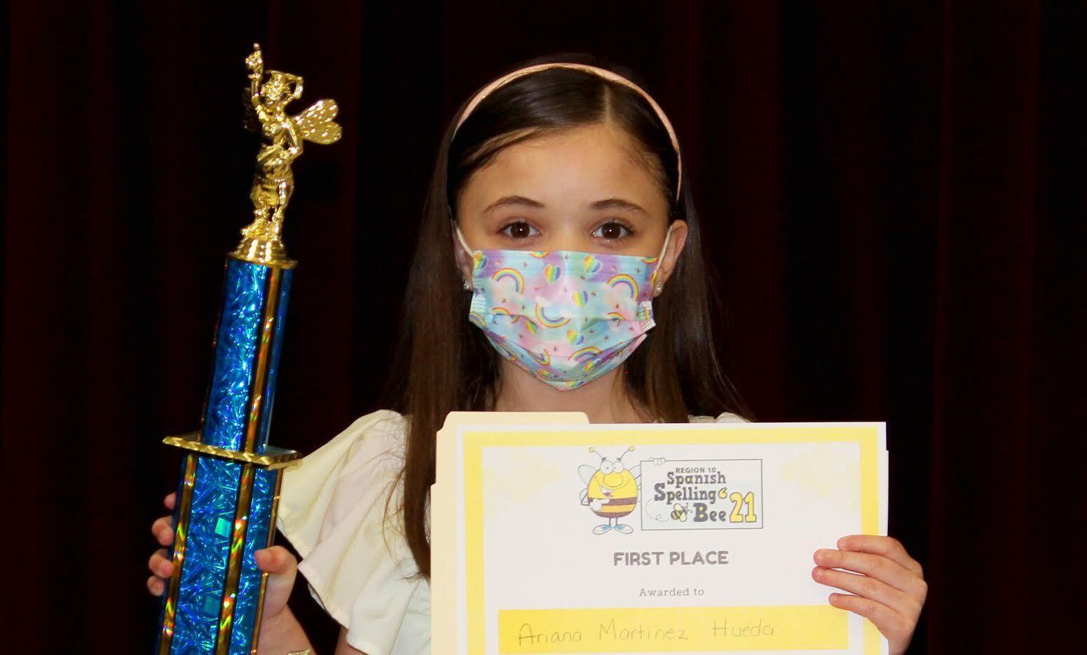 Ariana Martínez Hueda ganó el 10 concurso de Spelling Bee regional. Es la primera estudiante del distrito de Garland en ganar el concurso de deletreo regional