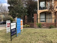 More than 2,500 Dallas County homes were sold in April.