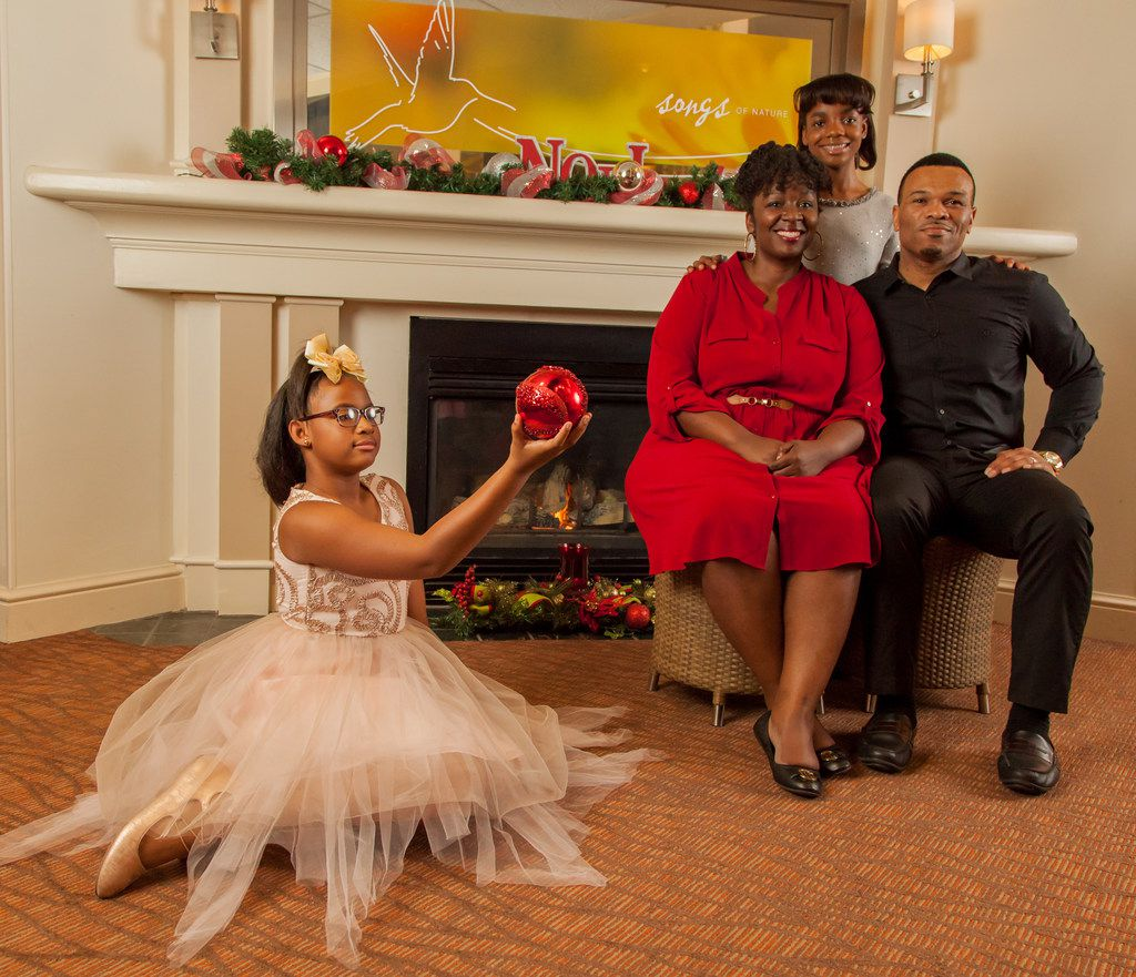 (from l-r) TaLayia Reed, Chimberly Carter Byrom, Brooklyn Roberson and Oris Phillips in The First Noel, presented by Jubilee Theatre in Fort Worth Nov. 23-Dec. 23.