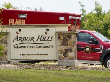 Diecisiete personas fueron hospitalizadas por exhibir síntomas de covid-19 en una residencia para adultos con Alzheimer o demencia senil.