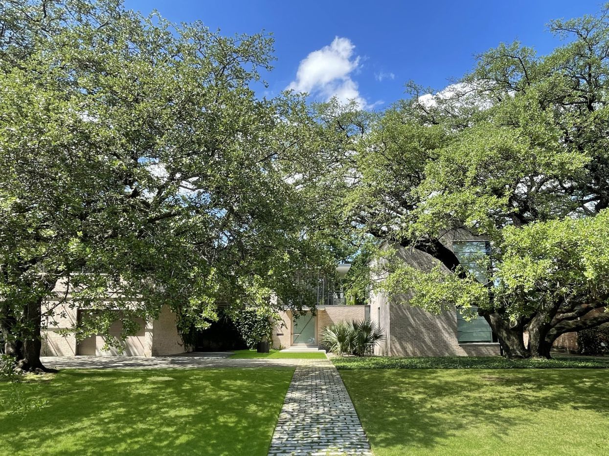 Take a look at the home at 5543 Drane Drive in Dallas.