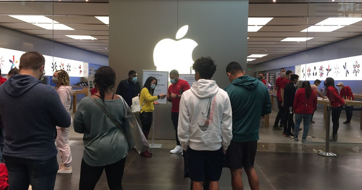 Apple finally reopens its Texas stores