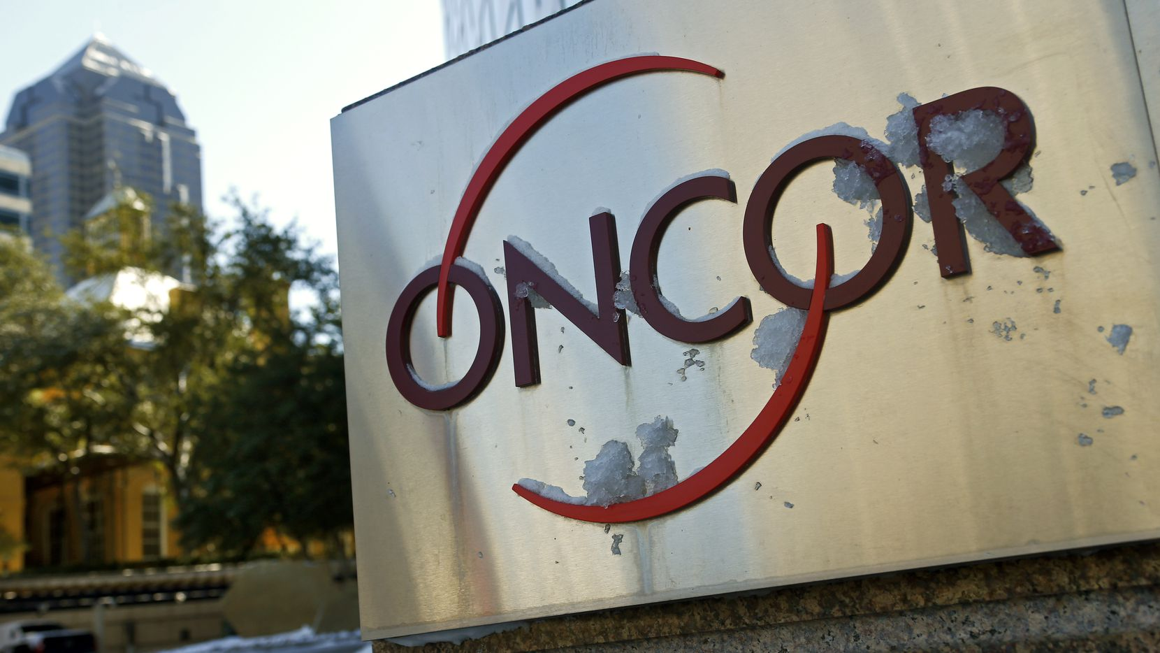 Energy Future Holdings appears poised to sell Oncor, its power transmission subsidiary, to Florida-based Next Era.