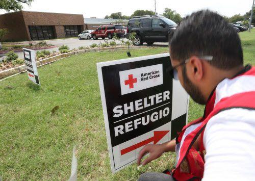 Un vocero de la Cruz Roja Americana explicó porque se realiza un contro de antecedentes en un refugio de Irving. DMN