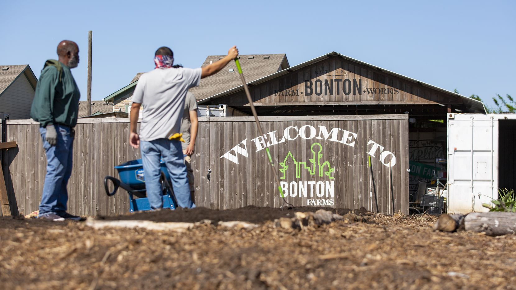 Workers outside at Bonton Farms.