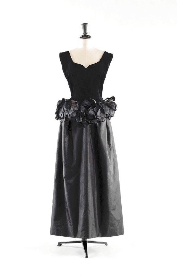Cristóbal Balenciaga Evening gown 1965