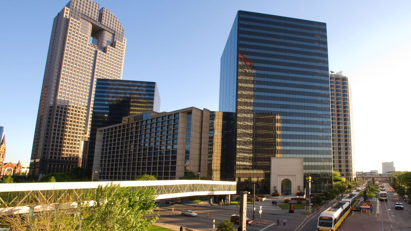 The FDIC is moving to the Plaza of the Americas on Pearl Street.