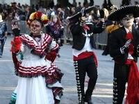 El Desfile y Festival del Día de Muertos convocó a miles de personas en 2019.