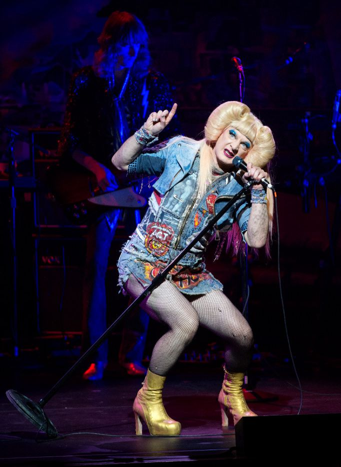 """Euan Morton, performing as Hedwig, sings """"Tear Me Down"""" in  Hedwig and the Angry Inch."""