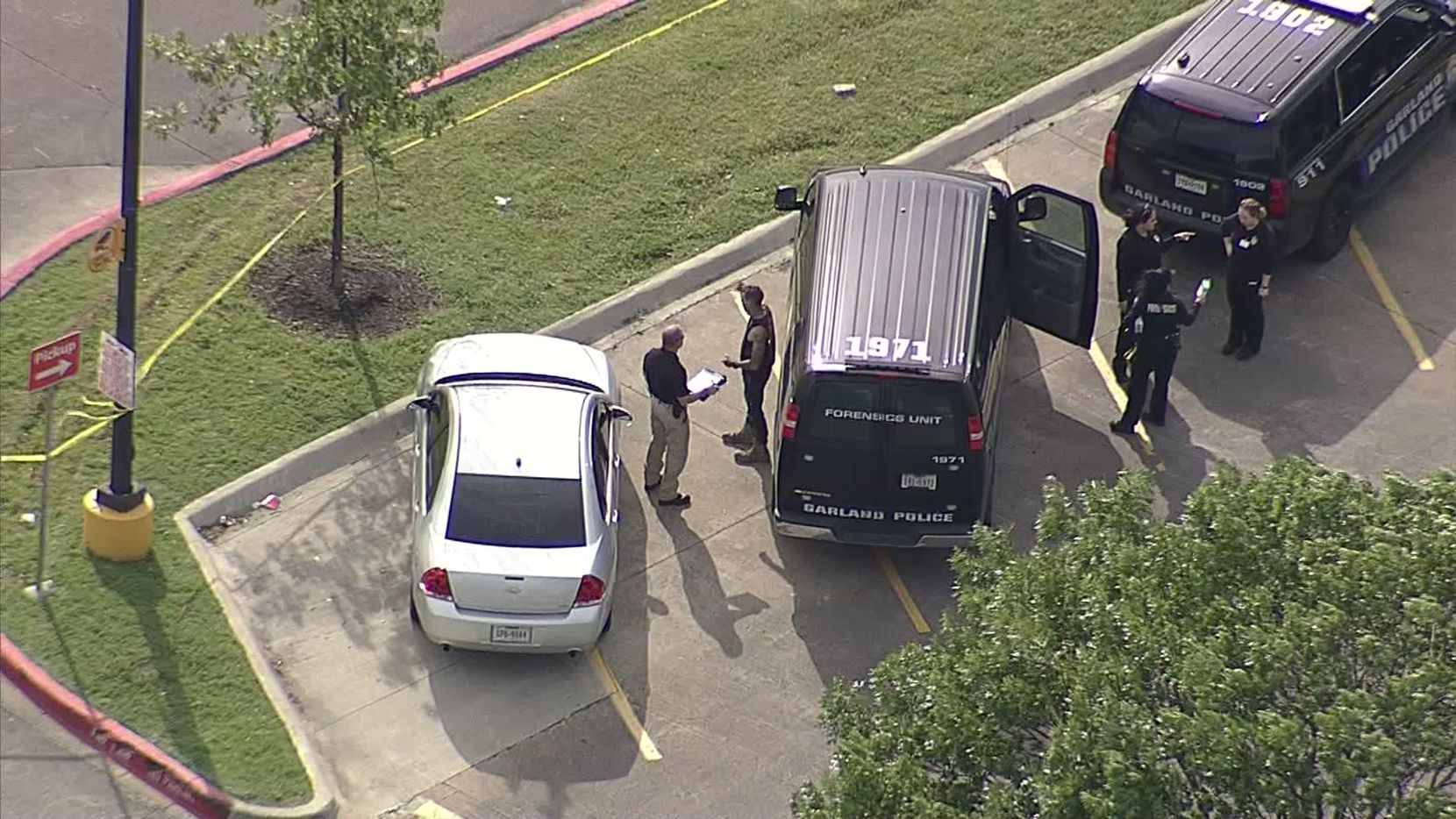 Garland police were called to the Walmart at Interstate 30 and Broadway Boulevard just after 4:30 p.m. Friday.