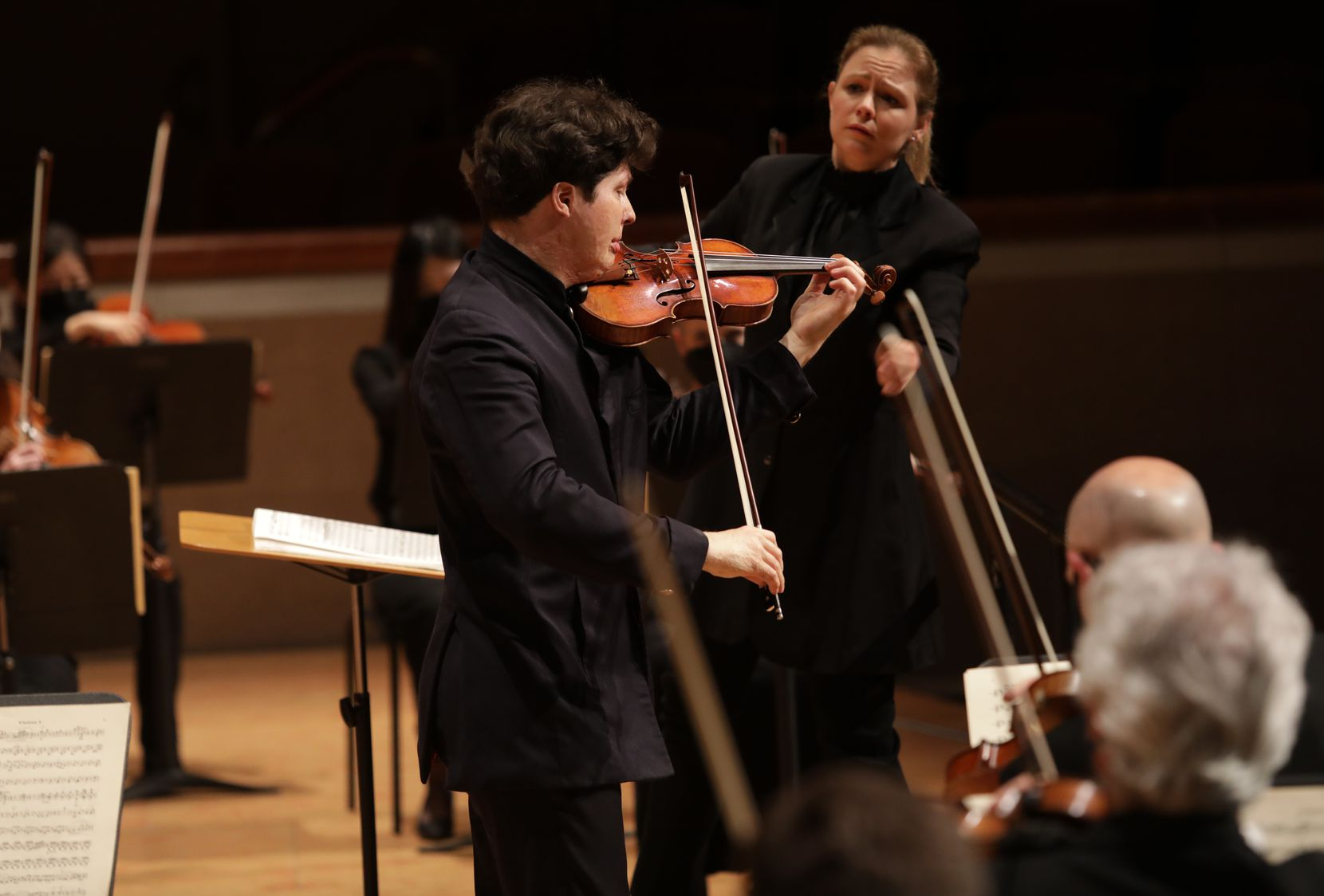 Guest conductor Gemma New and violin soloist Augustin Hadelich.