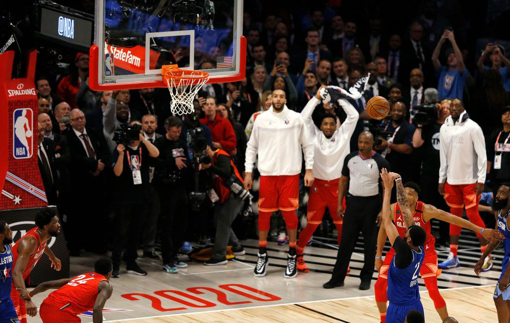 Team LeBron's Anthony Davis (2) shoots and makes the second of two free throw to defeat Team Giannis 157-155 in the NBA All-Star 2020 game at United Center in Chicago on Sunday, February 16, 2020. (Vernon Bryant/The Dallas Morning News)