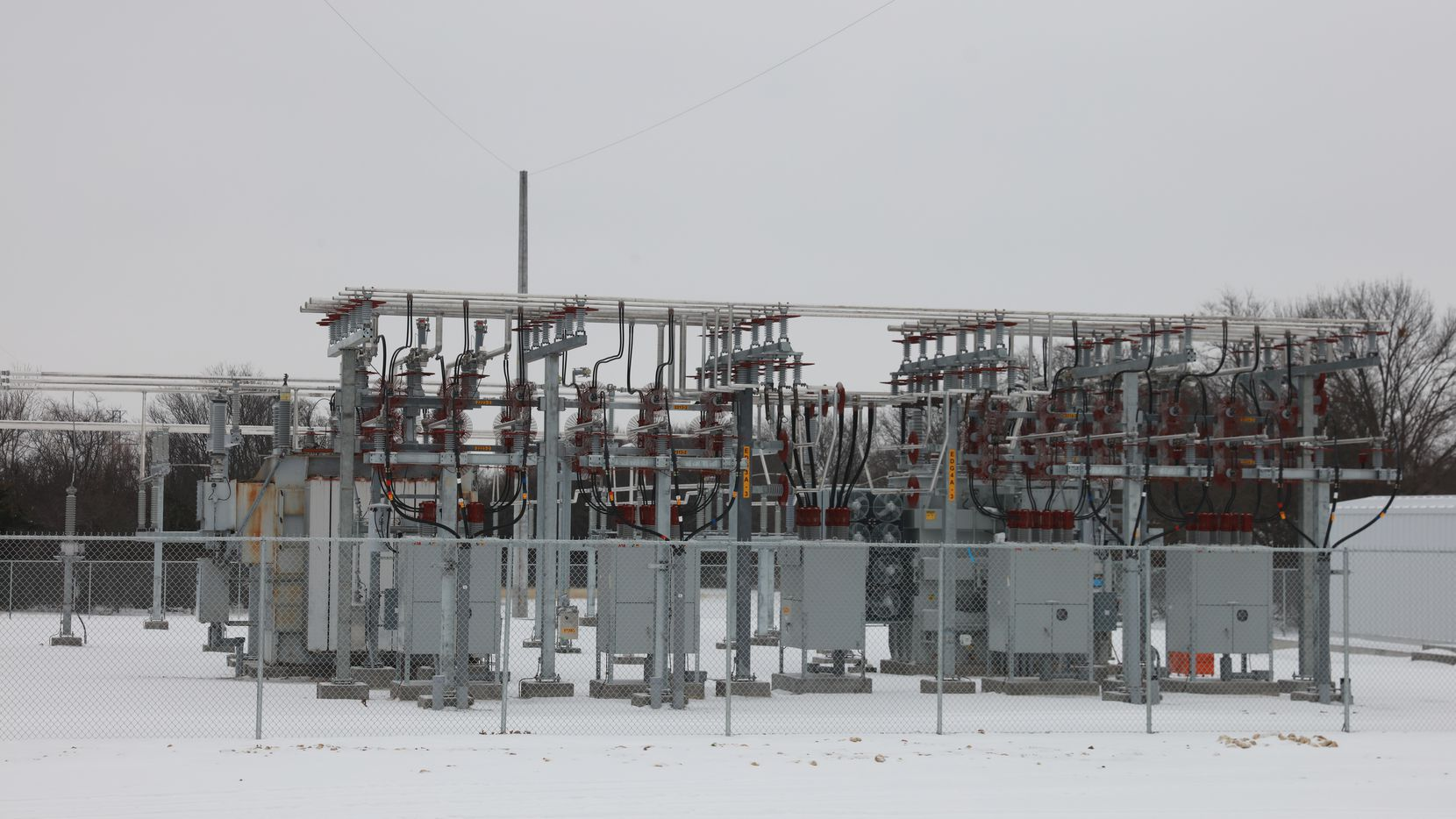 FORT WORTH, TX - FEBRAURY 17: A general view of Oncor electricity substation located at the corner of Altamesa Blvd. and Crowley Rd. on Feb. 17, 2021 in Fort Worth, Texas. (Photo Omar Vega / Al DIa)
