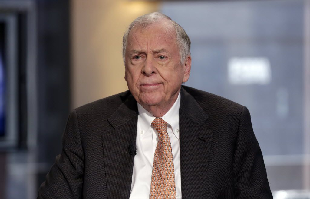 """FILE -  - In this March 11, 2014 file photo, BP Capital founder, Chairman and CEO T. Boone Pickens is interviewed by Maria Bartiromo on her """"Opening Bell with Maria Bartiromo"""" program, on the Fox Business Network, in New York. Texas Republican Lt. Gov. Dan Patrick has spent his first five months in office letting Texas' corporate elite help shape policy on everything from tax cuts to economic development, a move some say is unprecedented. (AP Photo/Richard Drew, File) / mug - mugshot - headshot / 05112015xNEWS"""