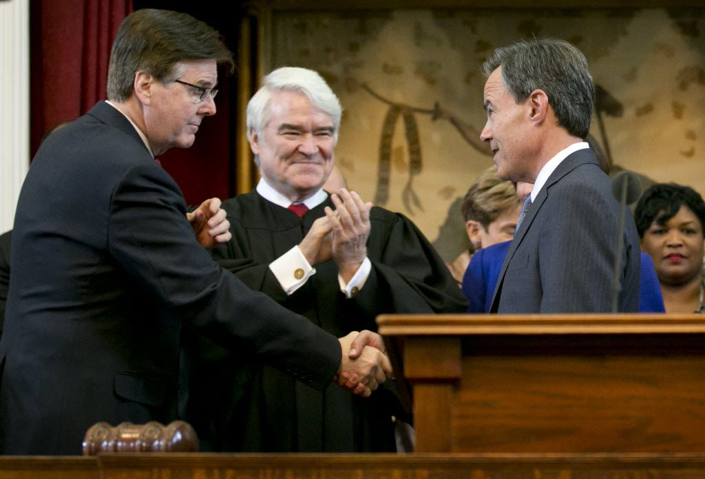 Texas Supreme Court Chief Justice Nathan Hecht, center, at the swearing-in Joe Straus, right,  as Speaker of the House in a file photo from 2015.  Texas Lt. Gov.-elect Dan Patrick is at left.