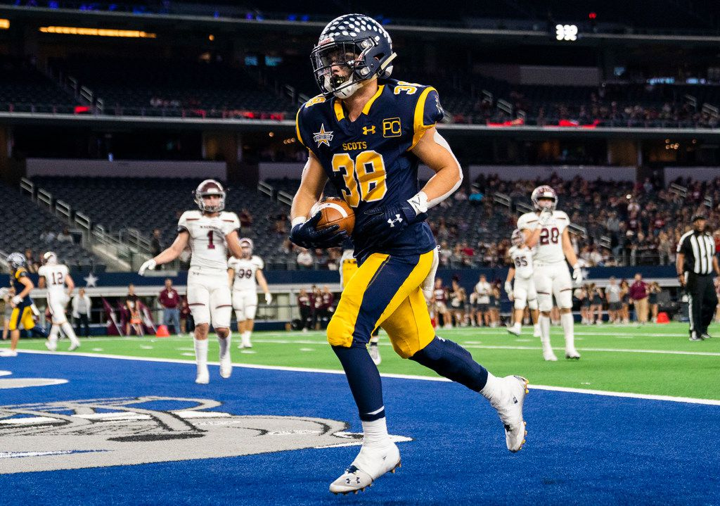 Highland Park running back Hunter Heath (38) runs to the end zone for a touchdown during the third quarter of a Class 5A Division I area-round playoff game between Magnolia and Highland Park on Thursday, November 21, 2019 at AT&T Stadium in Arlington. (Ashley Landis/The Dallas Morning News)