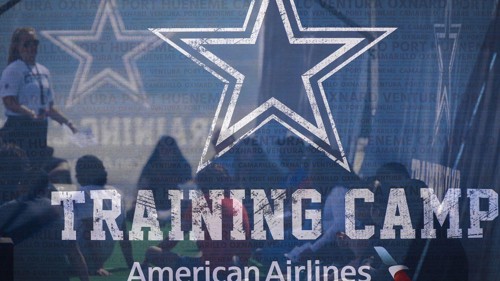 Los Cowboys de Dallas abrieron su  campamento de entrenamiento en Oxnard, California, el 22 de julio de 2021.