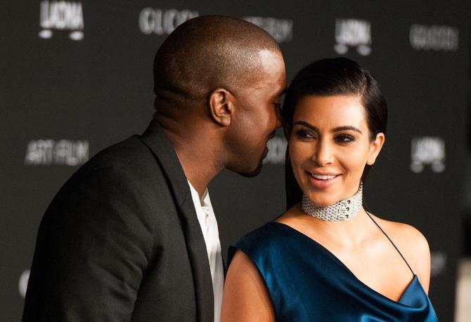 Kim Kardashian posee $780 millones frente a los $1,300 millones de Kanye West.