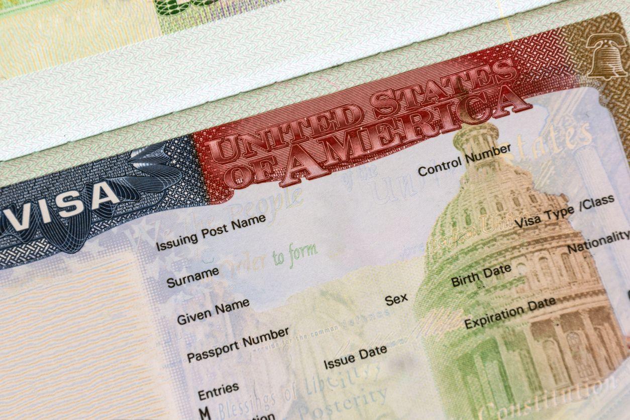 Una visa expedida por el Servicio de Inmigración de Estados Unidos.