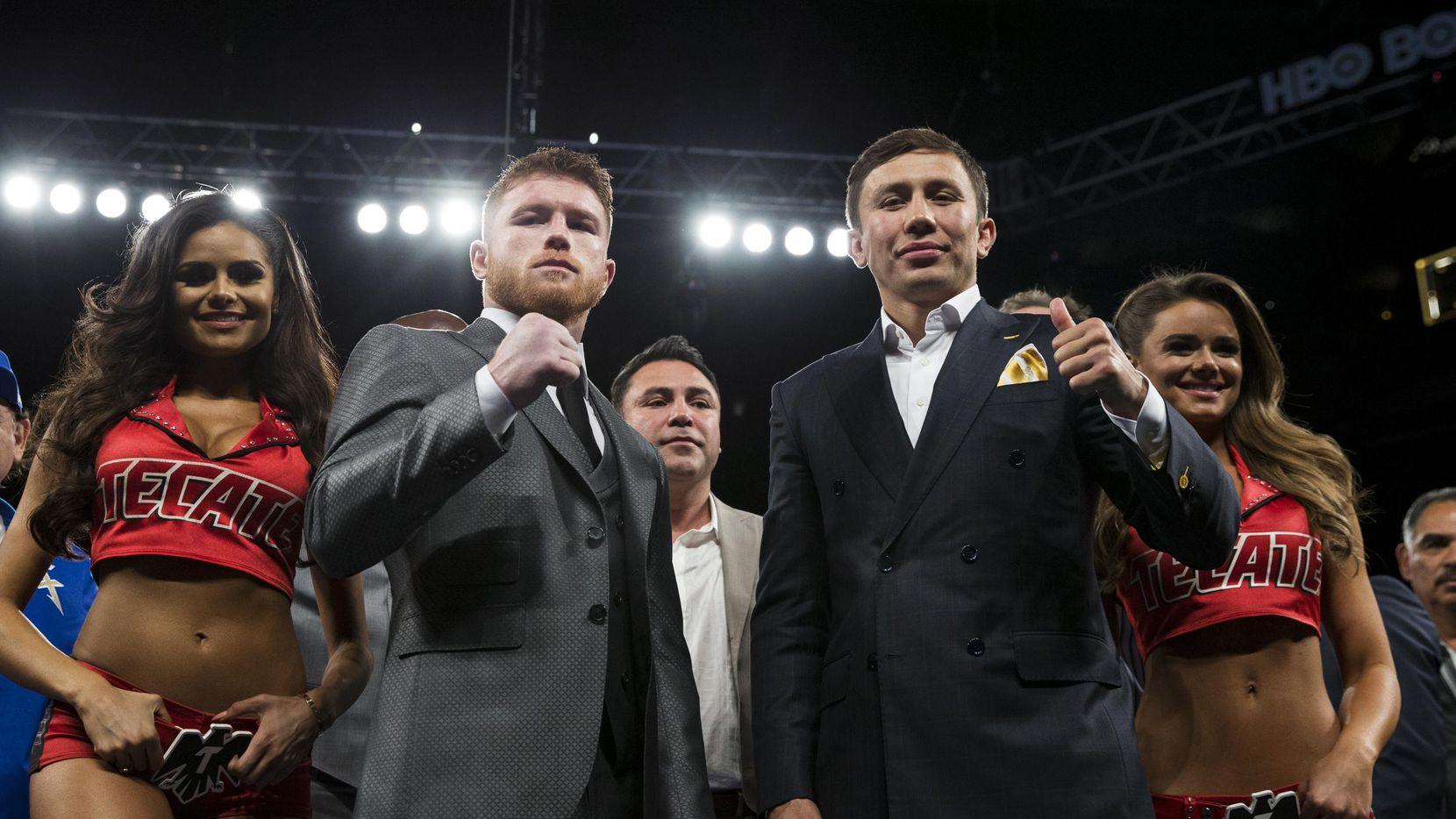 Saúl Álvarez (izq.) y Gennady Golovkin anunciaron que se enfrentarán el 16 de septiembre en un combate en las 160 libras. (AP/Erik Verduzco)
