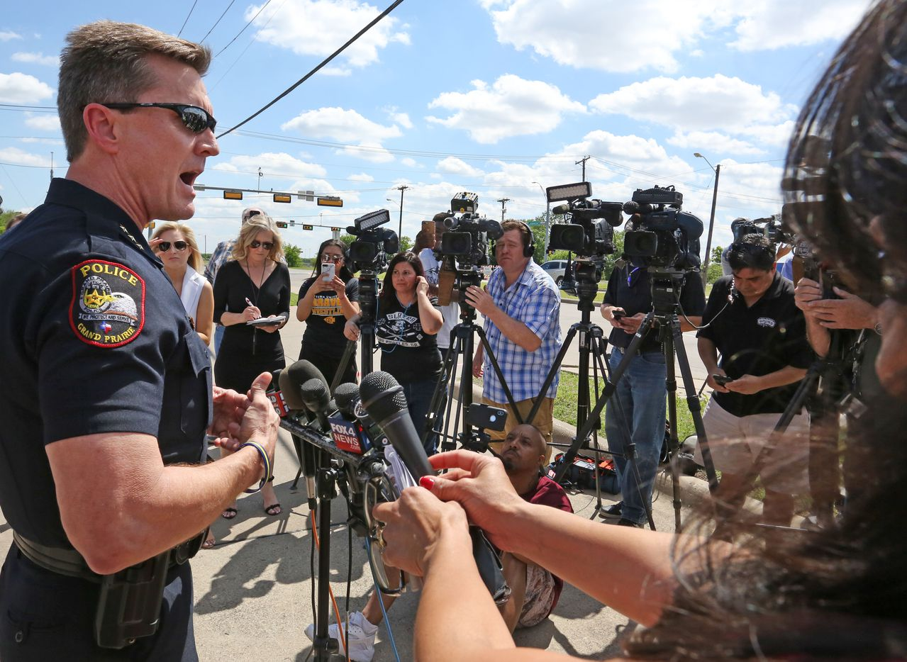 Grand Prairie police Chief Steve Dye explains the sequence of events after  police confronted a man with a gun.