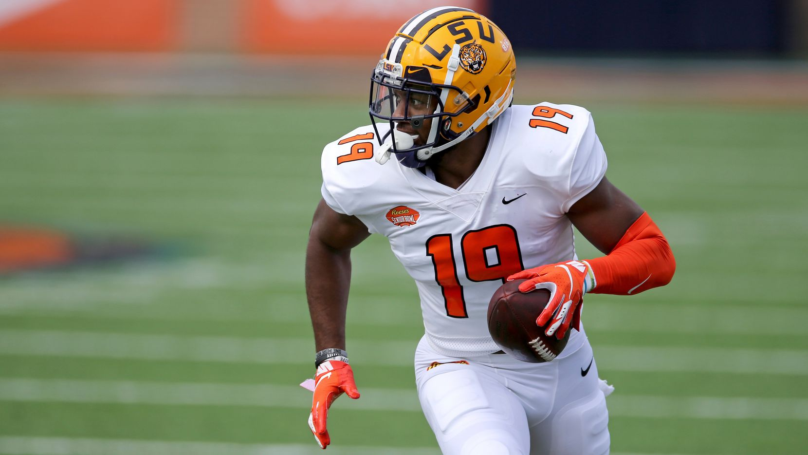 American Team linebacker Jabril Cox of LSU (19) during the first half of the NCAA college football Senior Bowl in Mobile, Ala, Saturday, Jan. 30, 2021.