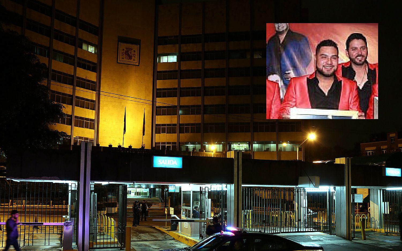 Policías preventivos reportaron que el vehículo habría sido atacado por desconocidos cuando trasladaba a los integrantes de la Banda MS hacia el lugar en donde se hospedaban en la Ciudad de México.