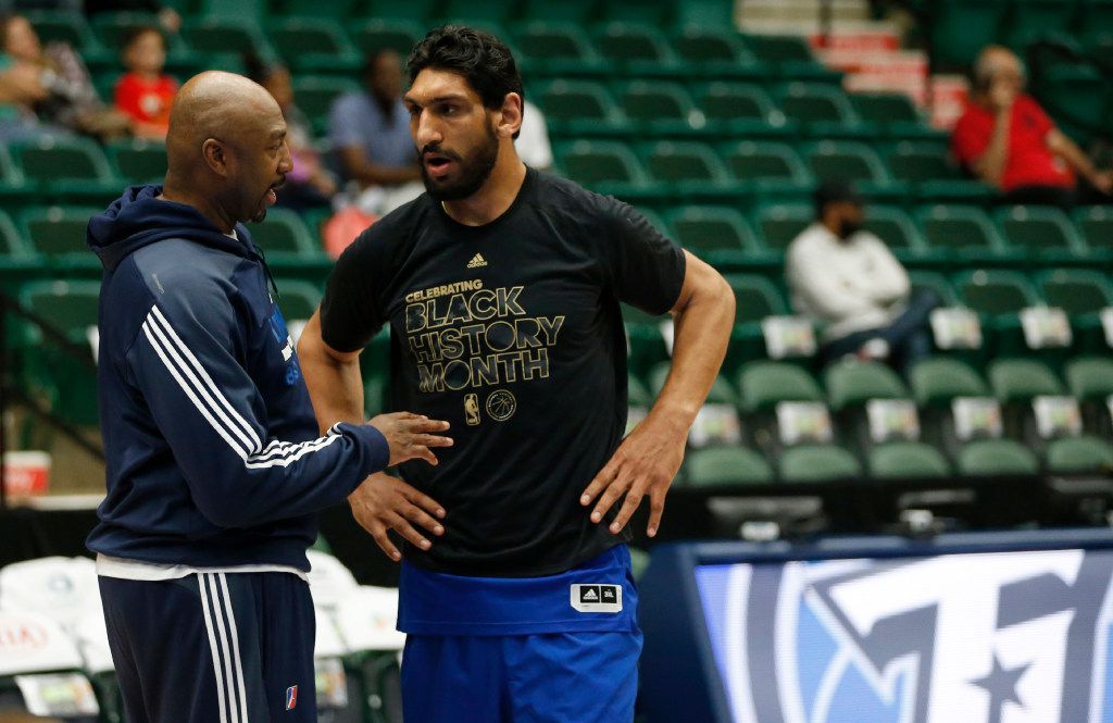 Former NBA star, Vin Baker, a coaching intern with the Texas Legends of the NBA developmental league works with Texas Legends Satnam Singh (52) before a game against the Iowa Energy at Dr. Pepper Arena in Frisco, on Saturday, February 11, 2017. (Vernon Bryant/The Dallas Morning News)