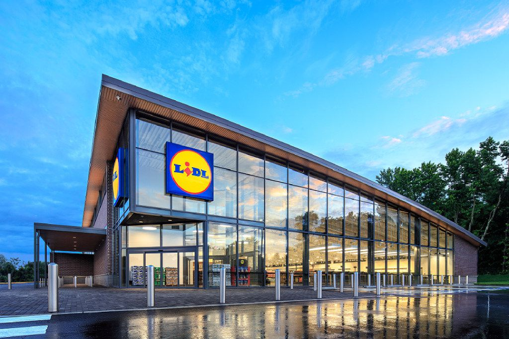 German retailer Lidl opened a U.S. headquarters in Arlington, Va., in June 2015 with plans to start operating grocery stores in the U.S.It's already locked up several future store locations in North Texas.