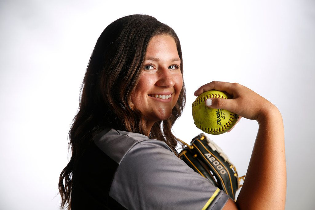 Forney softball pitcher Savanna DesRochers poses for a photograph in The Dallas Morning News studio in Dallas on Tuesday, June 5, 2018. (Rose Baca/The Dallas Morning News)