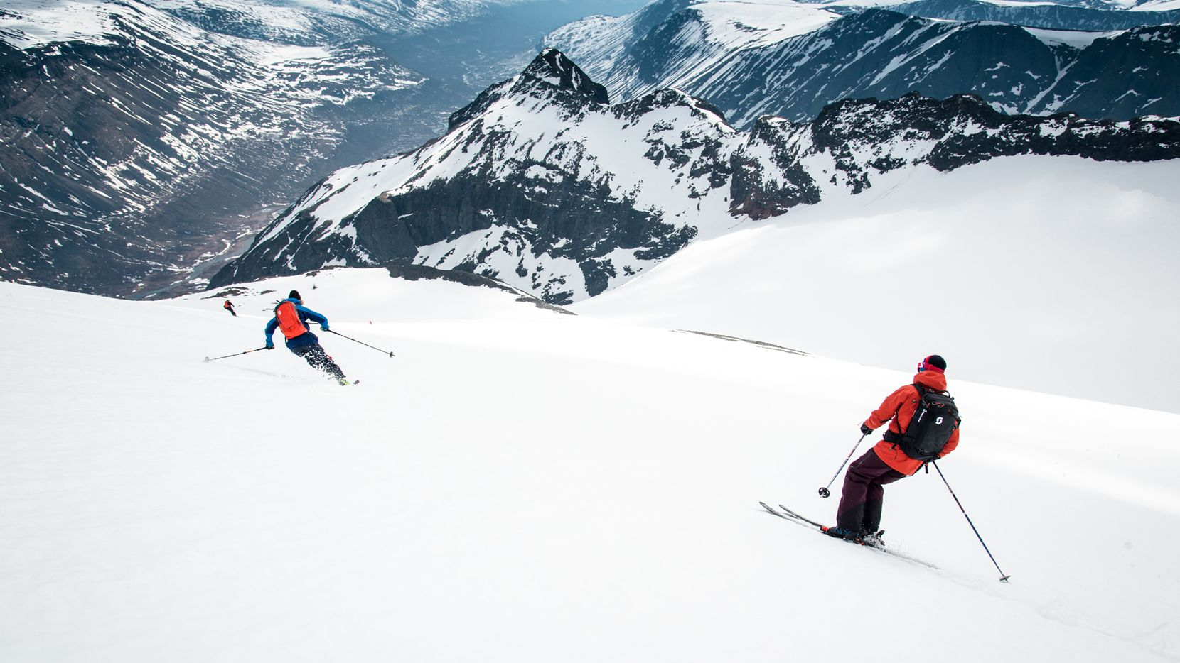 Niehku Mountain Villa, on the border of Norway and Sweden just north of the Arctic Circle, offers a mix of high-altitude, wide-open powder runs and adrenaline-pumping steeps that can't be found anywhere else.