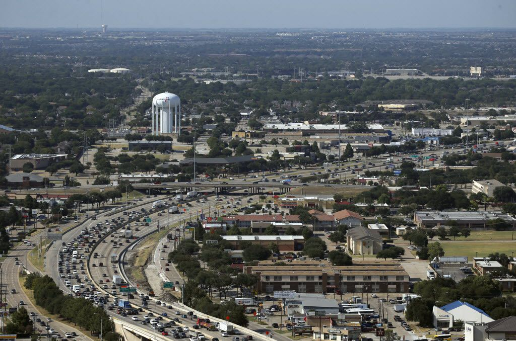 Traffic began to stack up in Plano along Central Expressway looking northbound in August. (Vernon Bryant/Staff Photographer)