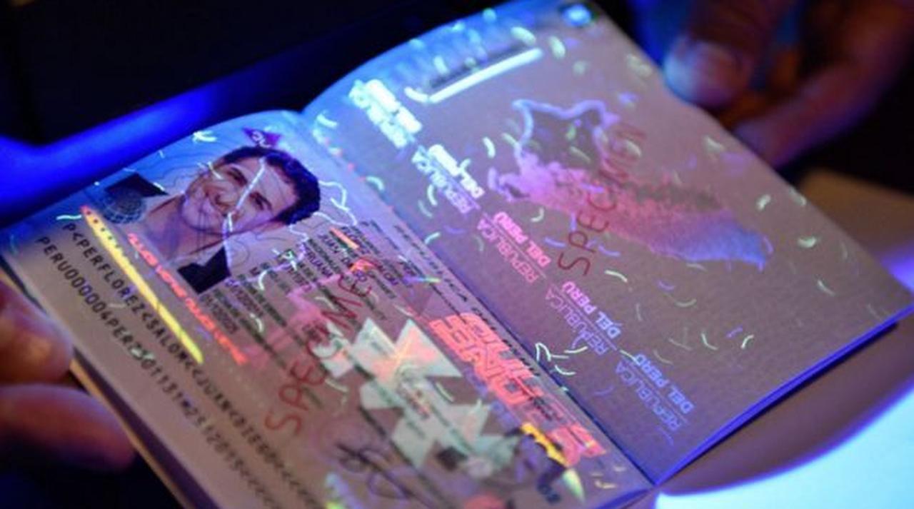 El nuevo pasaporte biométrico peruano está disponible en Dallas. (CORTESÍA/CONSULADO DEL PERÚ EN DALLAS)