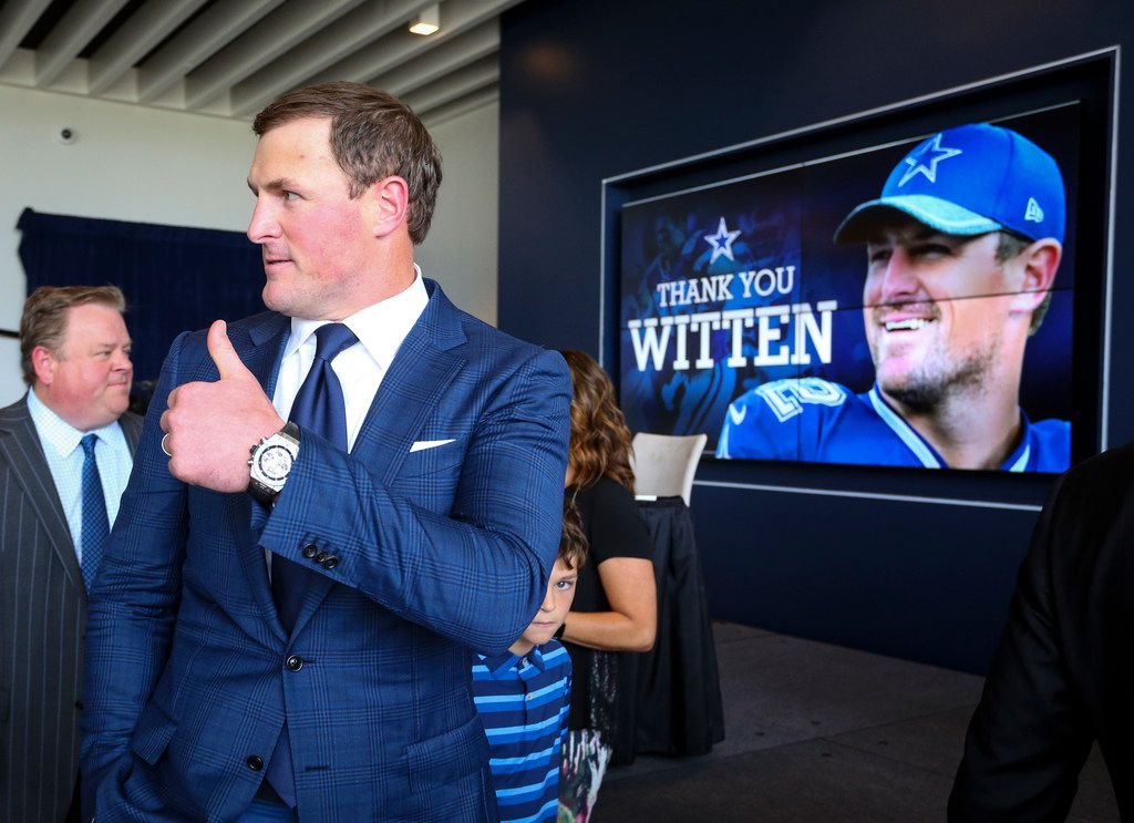 Retiring Dallas Cowboys tight end Jason Witten gives a thumbs up as he leaves a press conference where he announced his retirement from he NFL at at team's training facility and headquarters Thursday, May 3, 2018, in Frisco, Texas. (AP Photo/Richard W. Rodriguez)