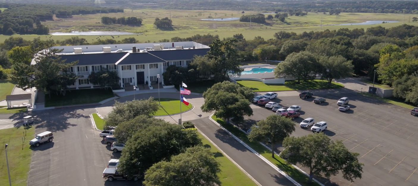 The Pecan Plantation community includes a country club.