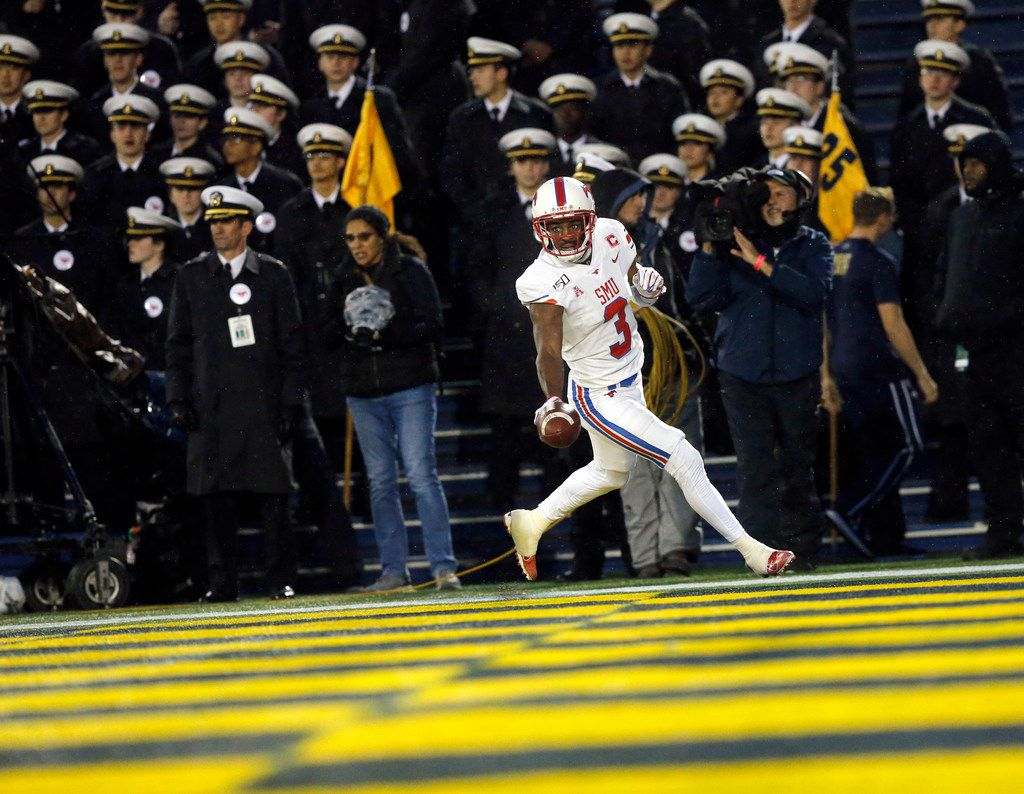 Southern Methodist Mustangs wide receiver James Proche (3) cruises into the end zone for a second quarter touchdown at Navy-Marine Corps Memorial Stadium in Annapolis, Maryland, Saturday, November 23, 2019. (Tom Fox/The Dallas Morning News)