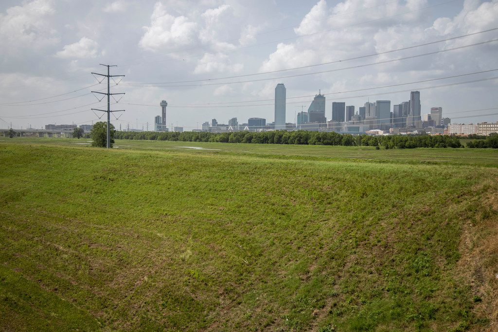 On the other side of the levee protecting The Bottom from the Trinity River is the Skyline Trail.